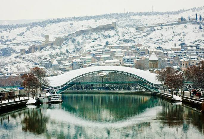 tbilisis-old-town-and-the-bridge-of-peace-in-winter